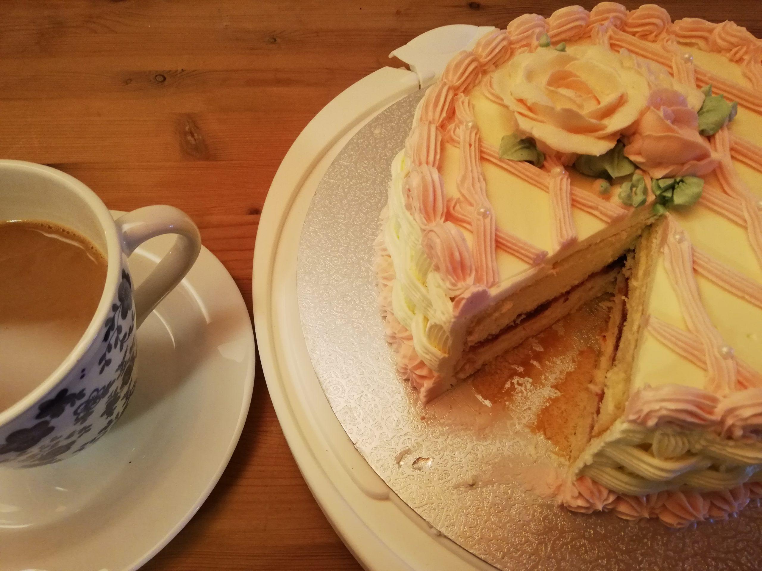 Torte im Scheunen-Café