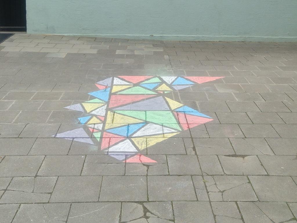 Kreidemalerei auf Steinboden