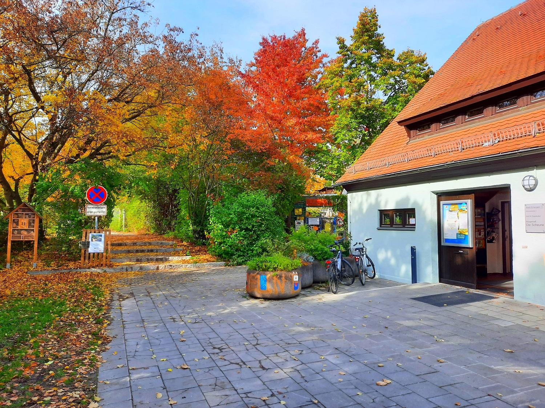 Herbstbild Scheune