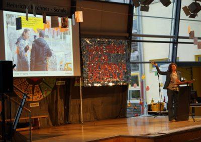 Baupilotin Susanne Hofmann berichtet von der Wünschepostkartenaktion