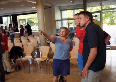Bürgermeisterin Lender-Cassens diskutiert die Planung für das Stadtteilhaus